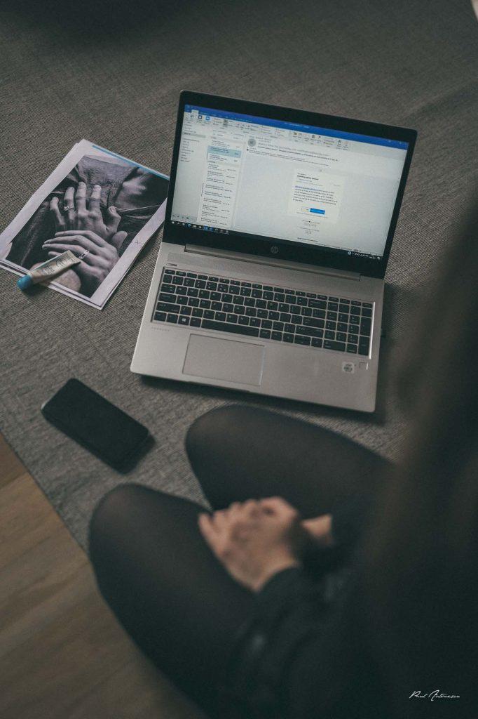 laptop, fotografii, paul antonescu